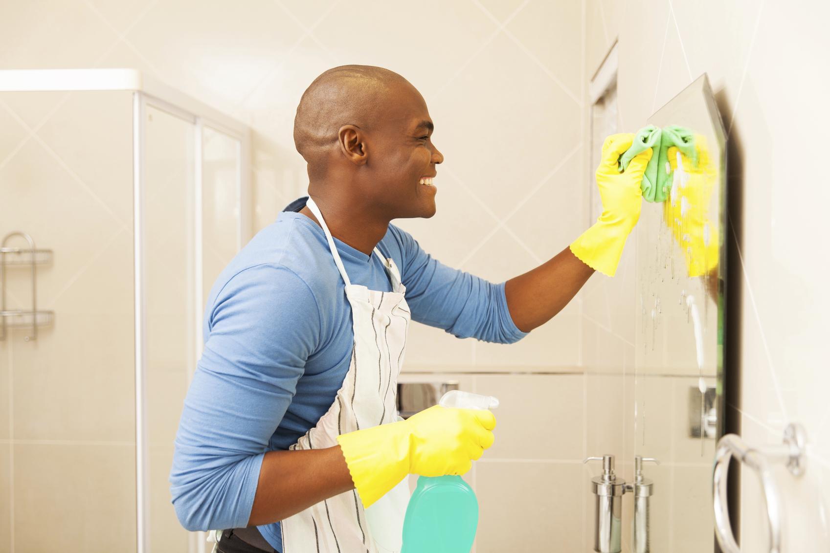 ¿Cómo realizar una limpieza del baño?